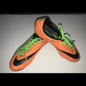 NIKE soccer / football shoes size 7 1/2